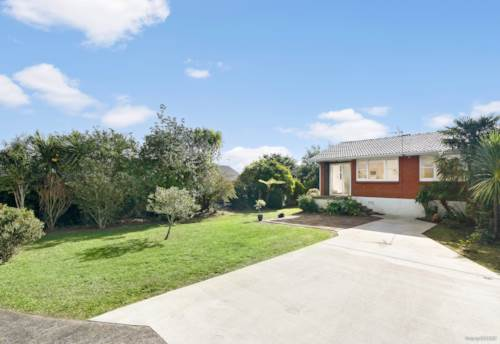 Pakuranga, Affordable brick and tile unit in unbeatable location!!, Property ID: 794388 | Barfoot & Thompson