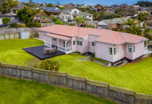 Unsworth Heights, TWO WEEKS - SHORT AUCTION NOTICE!, Property ID: 794761 | Barfoot & Thompson