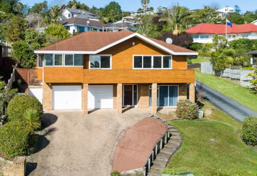 Browns Bay, Simply The Best in Bayside, Property ID: 794817 | Barfoot & Thompson