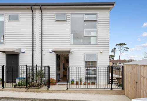 Glen Eden, Affordable Beautiful Townhouse, Property ID: 794806   Barfoot & Thompson