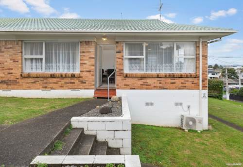 Onehunga, Brick & Tile Beauty, Property ID: 794714 | Barfoot & Thompson