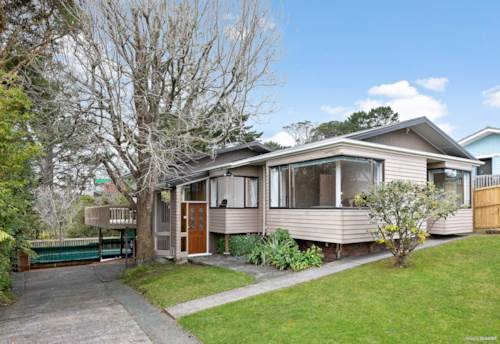 Lynfield, Check This Out - Family Home on 888 m2 !, Property ID: 794920   Barfoot & Thompson