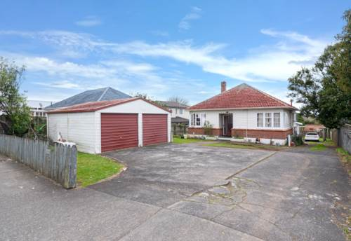 New Lynn, Home and Income on 971m2, Property ID: 795003 | Barfoot & Thompson