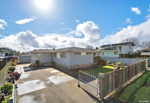 Clover Park, Overseas Vendor Says Sell It, Property ID: 794769   Barfoot & Thompson