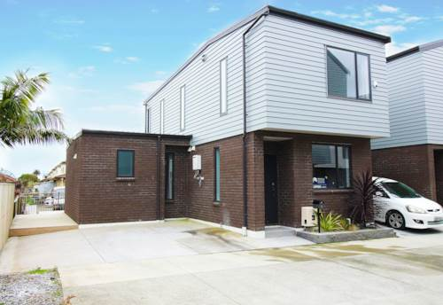 Flat Bush, Corner affordable home in Botany Junction, Property ID: 794686   Barfoot & Thompson