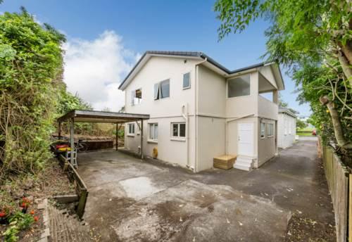 Mt Eden, Investor Alert! 6 bedrooms in Mount Eden!, Property ID: 795133 | Barfoot & Thompson