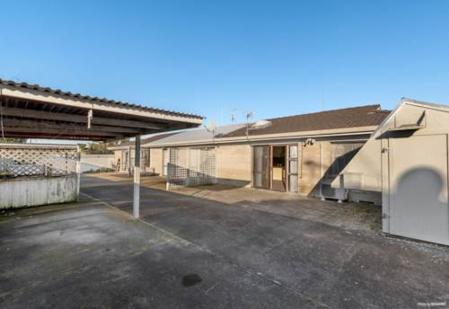 Papatoetoe, Neat and Tidy Brick and Tile unit in Papatoetoe, Property ID: 795049 | Barfoot & Thompson