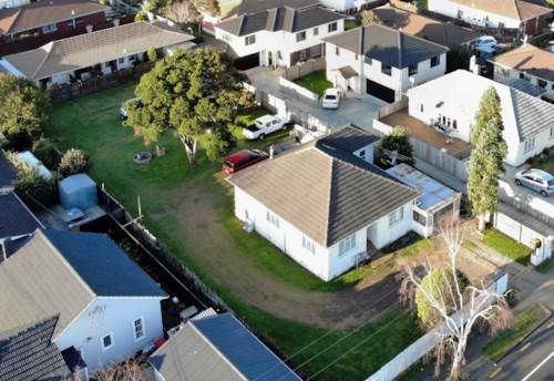 Manurewa, Flat 1103 sqm of Gold - Mixed Urban Zone!, Property ID: 794987 | Barfoot & Thompson