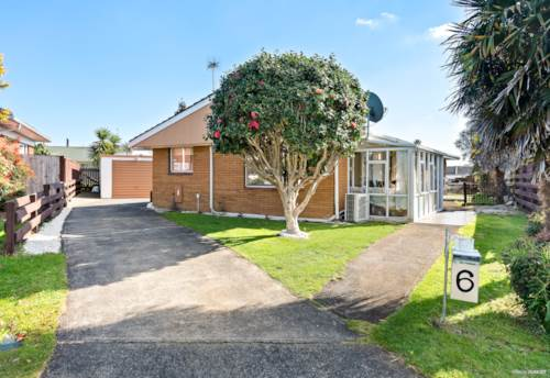 Manukau, BRICK AND TILE, PERFECT LOCATION, Property ID: 795157 | Barfoot & Thompson