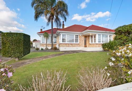 Papatoetoe, Beautiful Home, Bountiful Potential!, Property ID: 795182 | Barfoot & Thompson