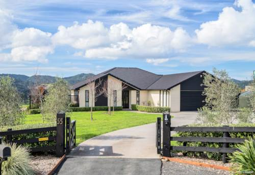 Hunua, The Ultimate Family Entertainer on 1 Acre, Property ID: 795152 | Barfoot & Thompson