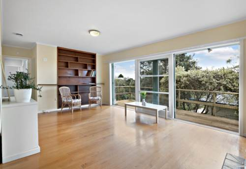 Birkdale, Sun-drenched 1960's Bungalow!, Property ID: 795267 | Barfoot & Thompson