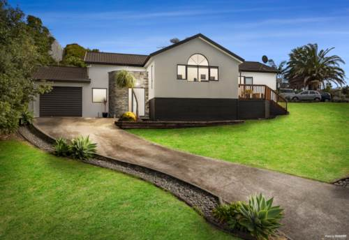 Arkles Bay, Elevated, North Facing & Freehold, Property ID: 794637 | Barfoot & Thompson