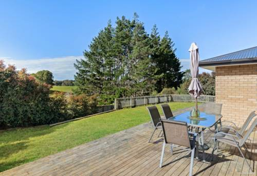 Tuakau, Generously Proportioned with Rural Views!, Property ID: 795058 | Barfoot & Thompson