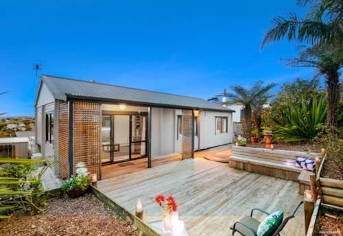 Totara Vale, Location, Sun, Views, Property ID: 795211 | Barfoot & Thompson