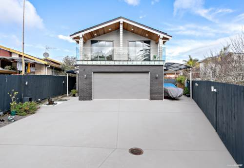 Clover Park, Flawless Modern Style with a Private Driveway, Property ID: 794875   Barfoot & Thompson