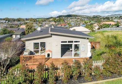Pukekohe, THE SPECTACULAR ALL-ROUNDER, Property ID: 795183 | Barfoot & Thompson