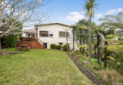 Browns Bay, Catching Waves, Grabbing Opportunities, Property ID: 795277   Barfoot & Thompson