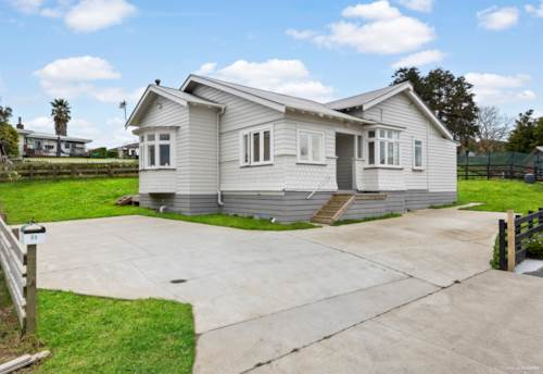 Waiuku, 1920's RELOCATABLE - MODERN 2019, Property ID: 795451 | Barfoot & Thompson