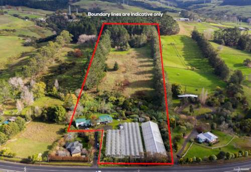 Helensville, 3.95 Ha, Home Plus Glass Houses!, Property ID: 791490 | Barfoot & Thompson