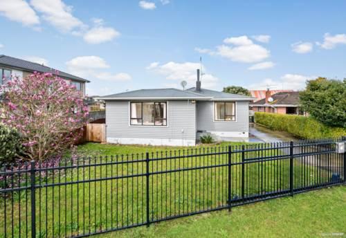 Papatoetoe, Golden Circle Single Level Living, Property ID: 795757 | Barfoot & Thompson