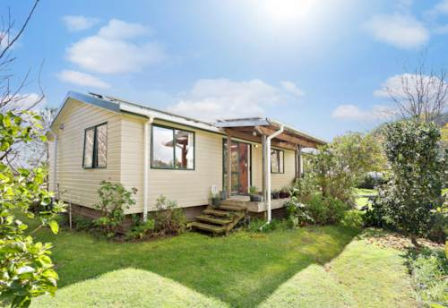 Kerikeri, Work, Sleep, Eat & Repeat, Property ID: 796180 | Barfoot & Thompson