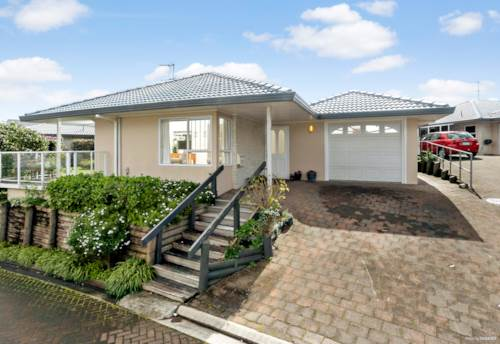 Meadowbank, Retire in Good Company, Property ID: 791595   Barfoot & Thompson