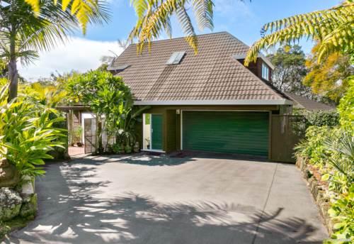 Greenlane, Style, Class & Privacy Aplenty, Property ID: 796095 | Barfoot & Thompson