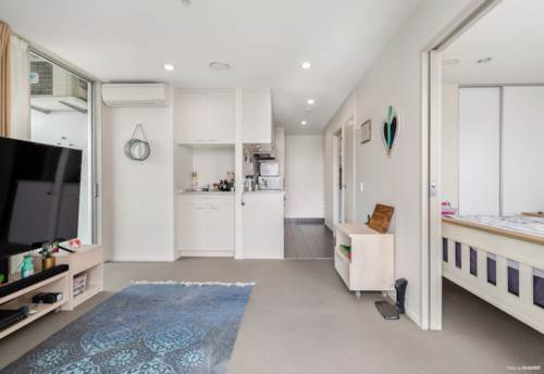 Manukau, 2 Bedrooms, 2 Balconies & 2 Carparks, Property ID: 795421 | Barfoot & Thompson