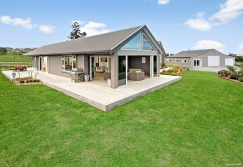 Pukekohe, EFFORTLESS ARCHITECTURAL EXCELLENCE ON 7.3 ACRES, Property ID: 796489 | Barfoot & Thompson