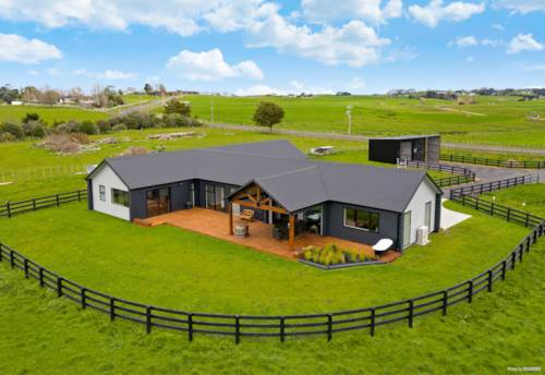 Mangatawhiri, Prime location with country ambiance, Property ID: 793860 | Barfoot & Thompson