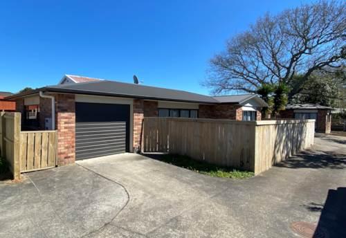 Pukekohe, Calling all Savvy Investors, Property ID: 796613 | Barfoot & Thompson