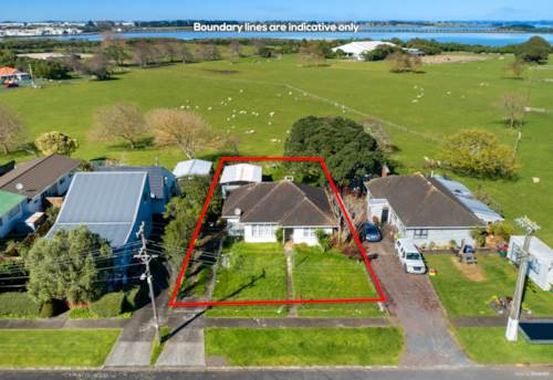 Mangere Bridge, Do-Up or Develop, it's your choice..., Property ID: 796640 | Barfoot & Thompson