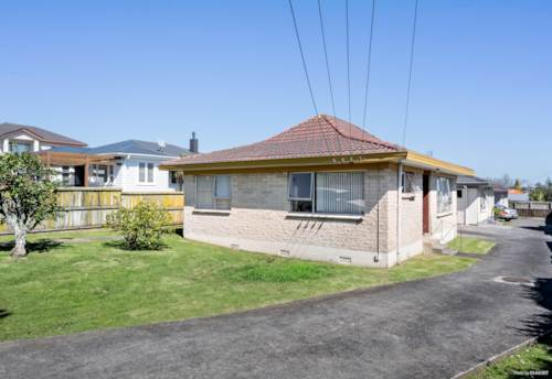 Papatoetoe, Comfortable, affordable and its gotta go!, Property ID: 796444 | Barfoot & Thompson