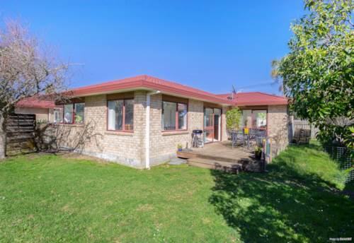 Te Atatu Peninsula, LIGHT, BRIGHT, BRICK AND RIGHT!, Property ID: 796807 | Barfoot & Thompson