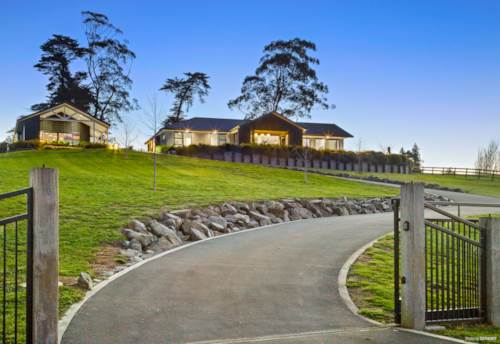 Hampton Downs, VENDORS MOVING ON! - HIGH-SPEC LUXURY, BUILDERS OWN, Property ID: 796426 | Barfoot & Thompson