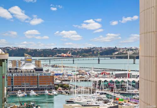 City Centre, 74m2 + Views + Carpark + Freehold + Near Waterfront, Property ID: 796650 | Barfoot & Thompson