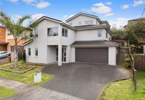 Flat Bush, Spacious Family Home - Must Sell !, Property ID: 795228 | Barfoot & Thompson