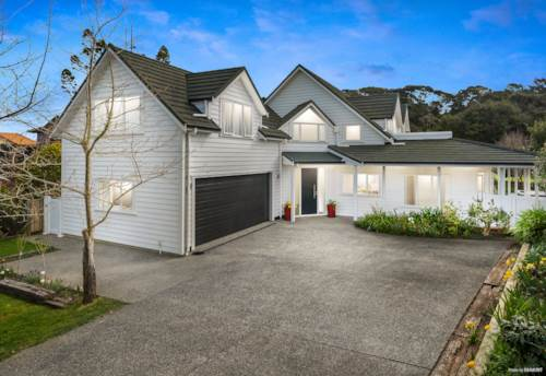 Albany, French Elegance on Waterfront of the Lucas Creek Reserve, Property ID: 797093 | Barfoot & Thompson