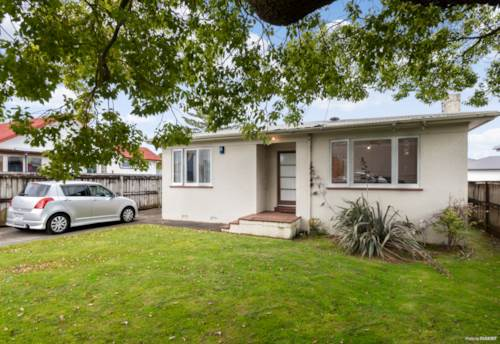Papatoetoe, First Home Buyers-Must View, Property ID: 797221 | Barfoot & Thompson