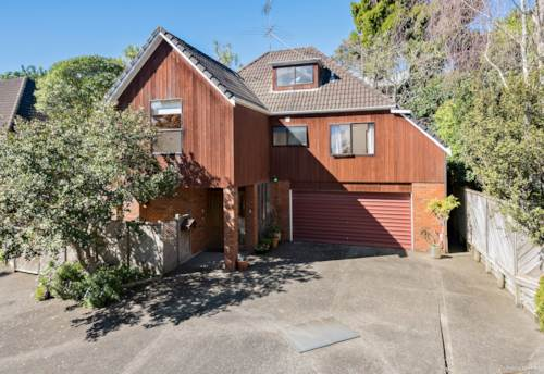 Birkenhead, Peace and Quiet with Character -  Brick & Cedar, Property ID: 796988 | Barfoot & Thompson