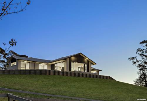 Hampton Downs, URGENT AUCTION - QUALITY BUILT SPEC HOME, Property ID: 797231 | Barfoot & Thompson