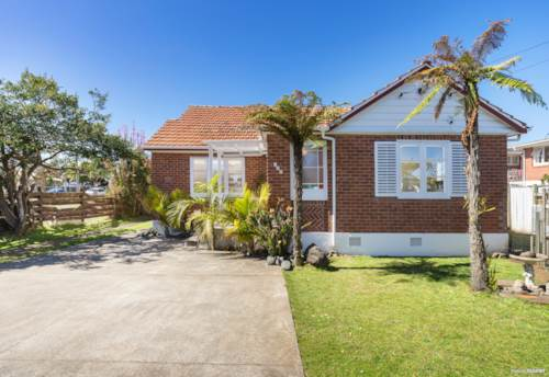 Mt Roskill, Best of both worlds, Property ID: 797086 | Barfoot & Thompson
