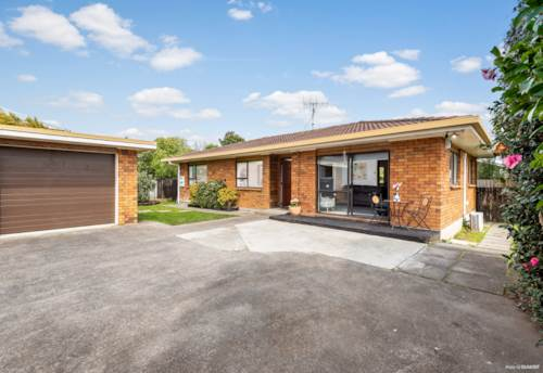 Papakura, Brick & Tile Beauty of Papakura, Property ID: 796786 | Barfoot & Thompson