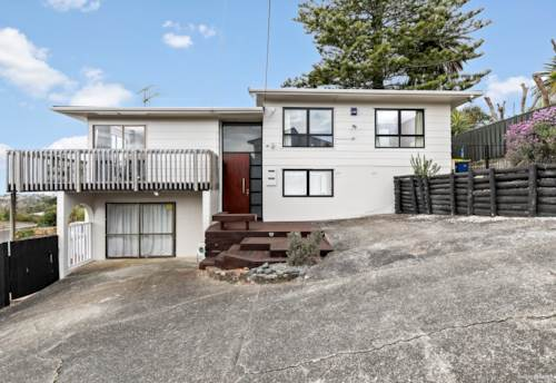 Birkenhead, Superbly Located, Recently Renovated, Property ID: 797235 | Barfoot & Thompson