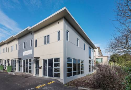 Albany, PERFECTLY POSITIONED ALBANY LIVE AND WORK, Property ID: 84693 | Barfoot & Thompson