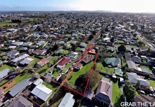 Papakura, Developers Dream on a 1353m2 Site in Papakura, Property ID: 797295 | Barfoot & Thompson