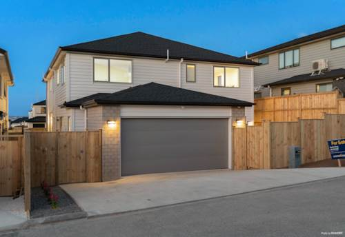 Flat Bush, Luxurious and Spacious Plus Views, 7 Brms with 5 Ensuites, Property ID: 797397 | Barfoot & Thompson
