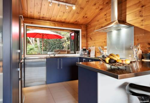 Papakura, Nestled in the trees high upon the hill, Property ID: 797389 | Barfoot & Thompson
