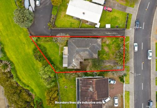 Mt Wellington, Waterfront home on 678m² land with development opportunities, Property ID: 797507 | Barfoot & Thompson